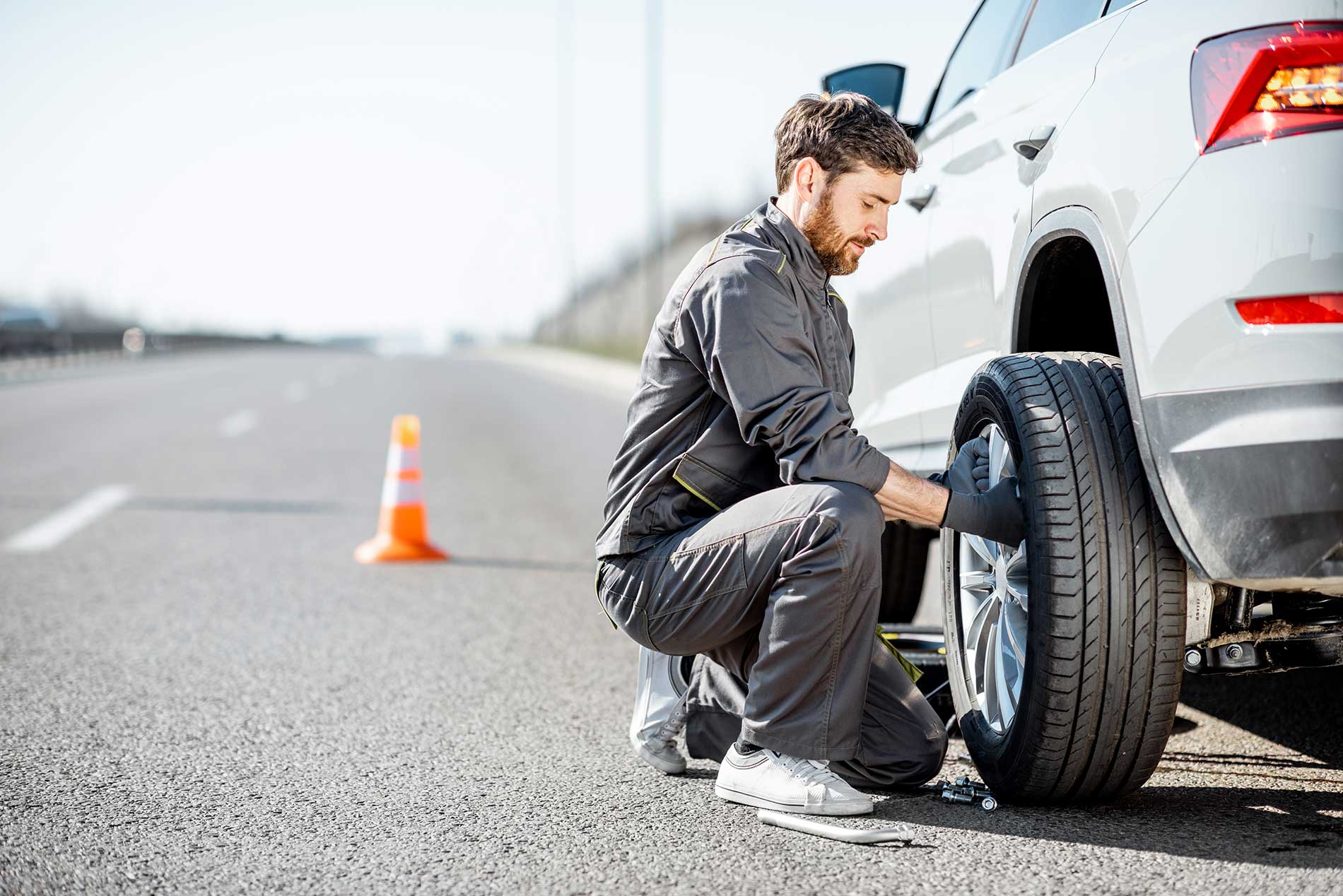 changing-car-tire
